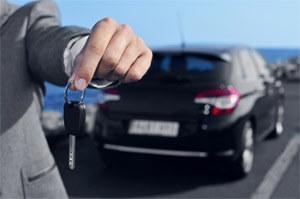 Kiedy warto korzystać ze średnioterminowego wynajmu samochodu?