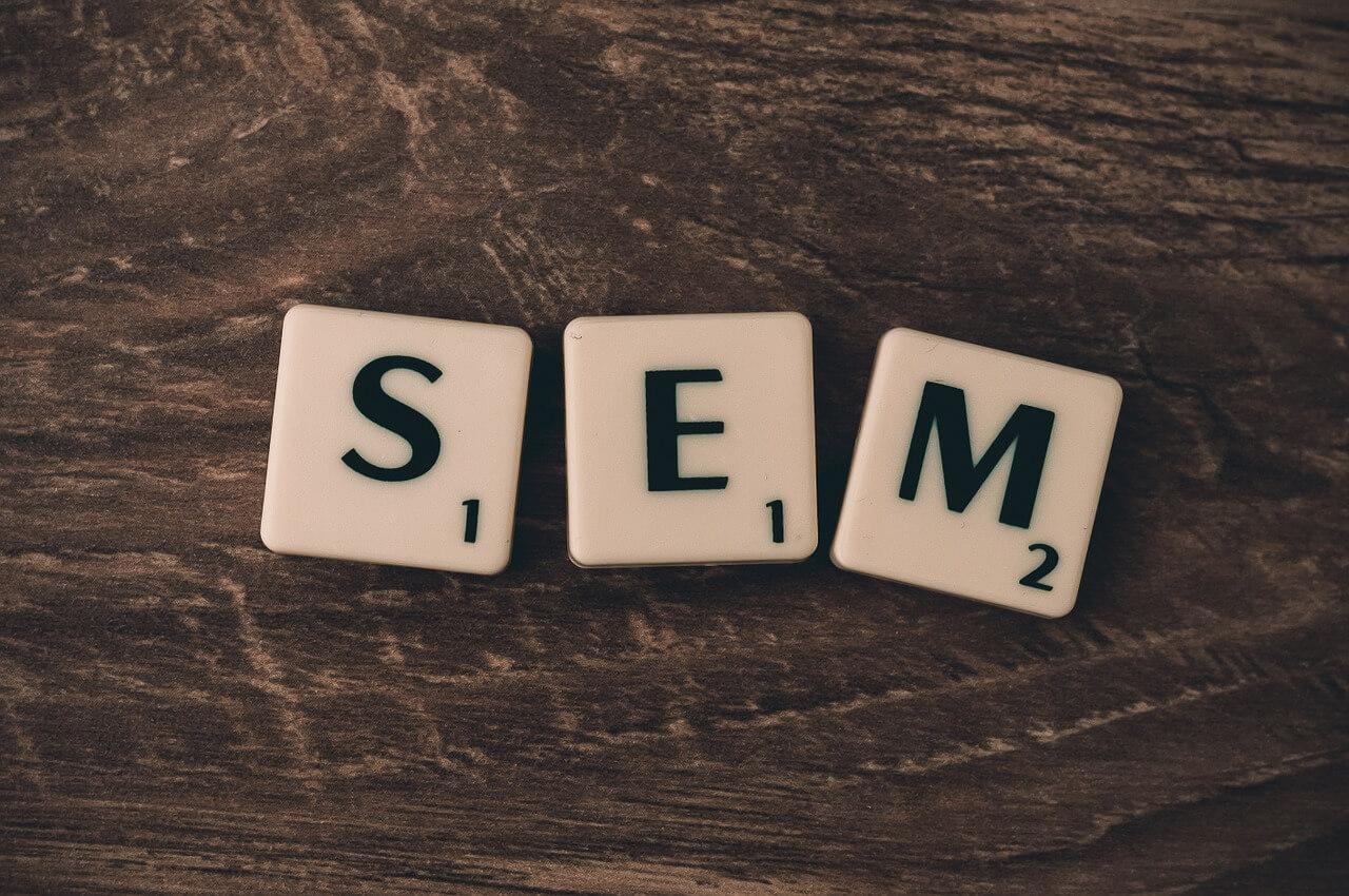 Na czym polegają kampanie SEM?